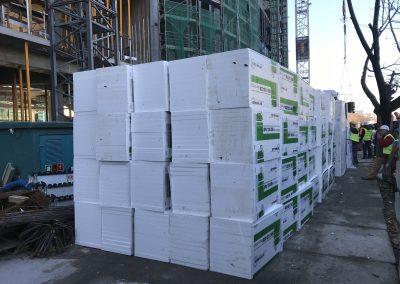 Materiały budowlane przygotowane do wykonania warstwy izolacyjnej pod podkład anhydrytowy