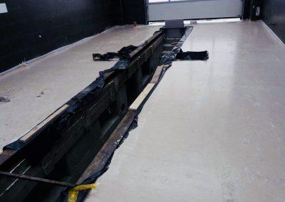 Pomieszczenie warsztatu samochodowego - gotowa samopoziomująca wylewka anhydrytowa